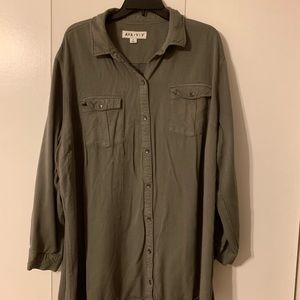 Long Button Up Top - Size 2X